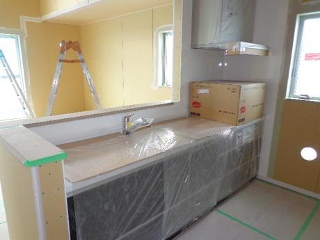 キッチン設置完了!(北区栄町新築戸建)